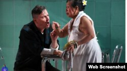 Vở kịch Sai Gon đang trên sàn tập (Ảnh chụp màn hình từ Yahoo)
