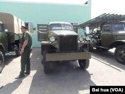 美国援助,二战期间大量装备苏军的美国斯图贝克卡车 (美国之音白桦拍摄)