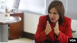 Además de las relaciones bilaterales, Nathalie Cely abordó el tema de la lucha contra el tráfico de drogas.
