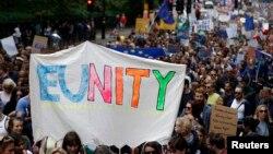 Demonstracije za podršku evropskom pokretu posle odluke Velike Britanije da napusti EU, London 2. jul 2016.