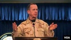 Laksamana Mike Mullen melakukan kunjungan mendadak ke Afghanistan (29/7).