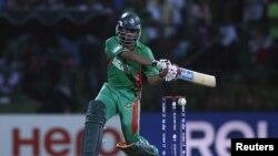 ٹوئنٹی20 ورلڈ کپ 2012ء میں پاکستان کے خلاف میچ میں بنگلہ دیشی بلے باز شکیب الحسن کا ایک انداز