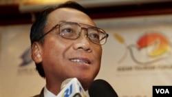 Menteri ESDM Jero Wacik mengakui bahwa ada banyak kendala untuk rencana pemerintah melakukan konversi BBM ke BBG (foto: dok).