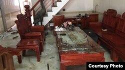 Hiện trường một ngôi nhà của giáo dân Văn Thai sau khi bị côn đồ đập phá vào đêm 31/5/2017.