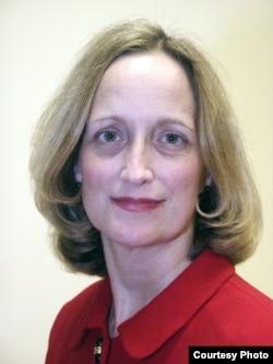 媒體倫理與法學教授珍·科特里