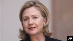 H Αμερικανίδα Υπουργός Εξωτερικών στην Αϊτή