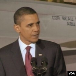 Obama mengatakan ia sedang mengupayakan keringanan pinjaman dan pajak bagi usaha kecil untuk membuka lapangan kerja baru.
