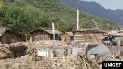 지난 9월 북한 함경북도 무산군 학산리에서 홍수로 파괴된 가옥들. 유니세프가 발표한 북한 수해 실태 보도자료에 실린 사진이다.