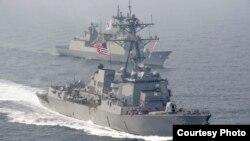 美国和韩国海军2017年4月25日举行海上联合演习(美国海军照片))