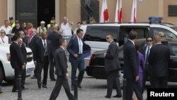 La gira de Romney por Gran Bretaña, Israel y ahora Polonia ha estado plagada de controversias.