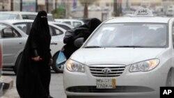 2011年6月17号沙特妇女开车抗议性别歧视