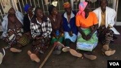 Bahlezi phandle kwebhanga abehluleka ukuthola imali yabo.