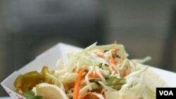 Taco tahu Korea adalah hasil perpaduan masakan Amerika Latin dengan masakan Korea.