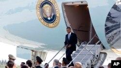 Tổng thống Obama xuống sân bay quốc tế ở Hàng Châu, Trung Quốc, thứ bảy 3/9/2016.
