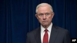 El secretario de Justicia de Estados Unidos, Jeff Sessions, renunció el miércoles, a pedido del presidente Donald Trump.