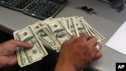 Setiap keluarga akan menerima 1.000 - 2.000 dolar per bulan selama enam bulan sampai satu tahun (foto: ilustrasi).