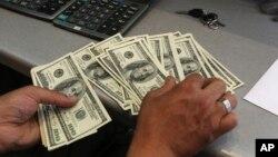 Chiến thắng của ông Donald Trump làm suy yếu đồng đôla Mỹ.