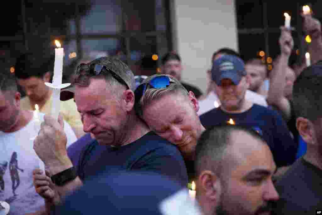 Tunawa da wadanda suka mutu a harbin garin Orlando.