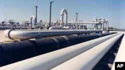 미국의 원유 재고분을 관리하는 텍사스주 프리포트 인근의 크루드 오일 송유관. 미 에너지부 사진.