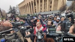 Polis Tbilisidə etirazçılarla toqquşub / 19 fevral