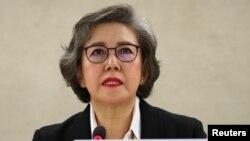 이양희 유엔 미얀마 인권 특별보고관이 지난 3월 스위스 제네바 UN 본부에서 미얀마 로힝야 탄압 사태 관련 보고서를 발표하고 있다.