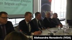 """Sa konferencije""""Izazovi i perspektive procesa normalizacije odnosa Beograda i Prištine"""" (Foto: VOA)"""