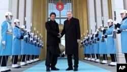 دیدار عمران خان، نخست وزیر پاکستان با رئیس جمهور ترکیه در انقره