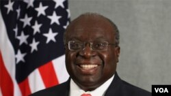 Duta Besar AS untuk Filipina, Harry K. Thomas, Jr.