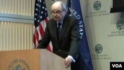 جیمز دوبنز، نماینده ویژه ایالات متحده امریکا برای افغانستان و پاکستان