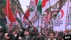 100 тысяч вышли в Будапеште на демонстрацию в поддержку правительства