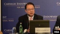 淡江大学国际事务与战略研究所教授黄介正(美国之音Grace Wang摄)