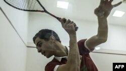 Le numéro 3 de squash mondial, lors d'un entraînement au Caire, le 9 janvier 2018.