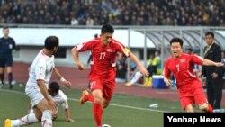 13일 평양 김일성경기장에서 2018 러시아 월드컵 아시아지역 2차 예선 북한 대 예멘의 경기가 열리고 있다.