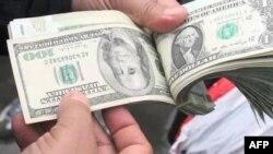 تعیین نرخ ارز در ایران به صرافان واگذار شد