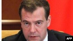 Tổng thống Nga Dmitry Medvedev nói một tình trạng ổn định có thể chỉ ngụy trang cho khả năng trì trệ