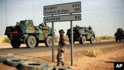 6일 말리 북부 가오로 이동 중인 프랑스 병력.
