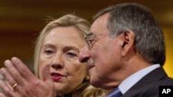 미국의 힐러리 클린턴 국무장관과 리언 파네타 국방장관 (자료사진)