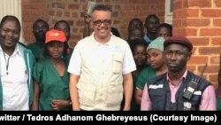 Le directeur général de l'OMS, Tedros Adhanom Ghebreyesus au milieu du personnel des agences des Nations unies chargées de la lutte contre Ebola à Beni, Nord-Kivu, RDC, 8 novembre 2018. (Twitter/ Tedros Adhanom Ghebreyesus)