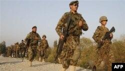 Avganistanska vojska na putu da pruži pojačanje u bazi kod Džalalabada, istočno od Kabula, 13. novembar 2010.