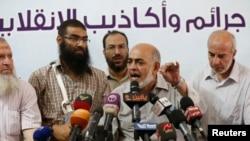 20일 이집트 카이로에서 무슬림형제단 관계자들이 최근 정부의 지도부 체포에 항의하는 기자회견을 열었다.