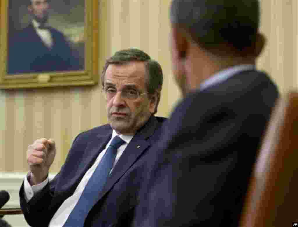 Θερμή και ειλικρινή χαρακτήρισε τις επαφές με τον υπουργό εξωτερικών των ΗΠΑ Τζον Κέρι όσο και τον Πρόεδρο των ΗΠΑ Μπαράκ Ομπάμα το περιβάλλον του πρωθυπουργού.