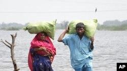 در بین کشتهها سیلاب ها در خوست اطفال، زنان و مردان شامل اند.