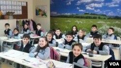 შაჰინის სკოლა-ლიცეუმის მოსწავლეებს ახალი სკოლის ძებნა მოუწევთ