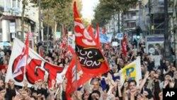 法国南部城市马赛的人周六举行抗议