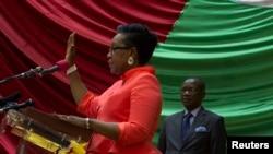 Kaimu rais mpya wa Jamhuri ya Afrika ya Kati Catherine Samba-Panza aapishwa mjini Bangui, Jan. 23, 2014.