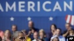 오하이오주 콜롬버스에서 일자리 법안에 대해 연설을 하는 오바마 대통령