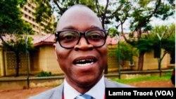 Me Dieudonné Bonkoungou, l'un des avocats de Djibril Bassolé, à Ouagadougou, le 20 décembre 2018. (VOA/Lamine Traoré)