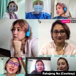 Rahajeng Ika saat bekerja memberikan konsultasi virtual. (Foto: Rahajeng Ikan/pribadi)