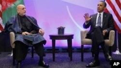 Tổng thống Hoa Kỳ Barack Obama trong cuộc gặp với Tổng thống Afghanistan Hamid Karzai tại Hội nghị thượng đỉnh NATO tại Chicago