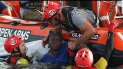 Près de 100 migrants noyés dans deux naufrages en 24 heures